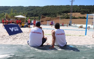 Rumbo a la arena del CESA de balonmano playa 2021